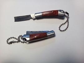Knife / Keychain - 04 - Butcher / Razor-Look Blade
