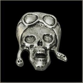 P153 - Pin - Aviator Skull - large