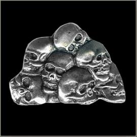 P211 - Pin - Seven Skulls