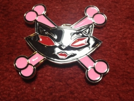 B163 - Belt Buckle - Kitty crossed bones