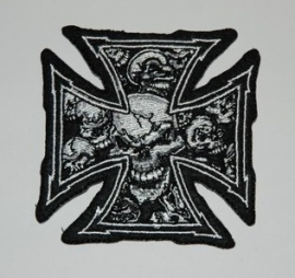 065 - PATCH - Chopper sign / Maltese Cross with white skulls [small]