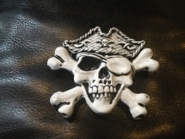B111 - Belt Buckle - Pirate Skull