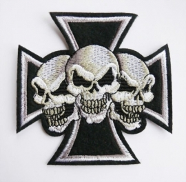 Small Patch - White Maltezer Cross with Three Skulls