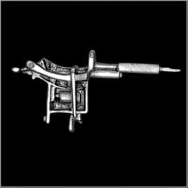 P150 - Pin - Large Tattoo Gun