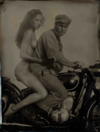 BMW Motorrad - classic custom bikes & some girls