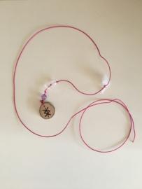 Alfheim amulet Vruchtbaarheid roze