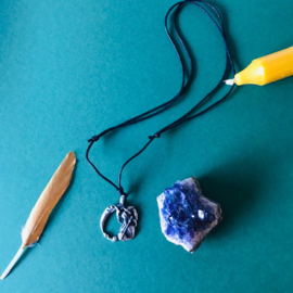 Magical ketting the neckromancer