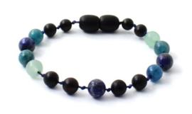 Barnsteen armbandje baby/peuter met draaisluiting cherry  met apatiet, lapis lazuli en groene aventurijn