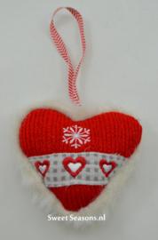 Gebreid hartje met sneeuwvlokje