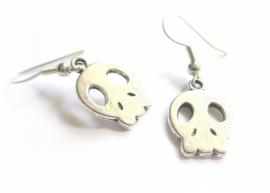 O-0575 Oorbellen Skull