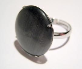 R-0088 Ring met cateye steen Grijs/zwart