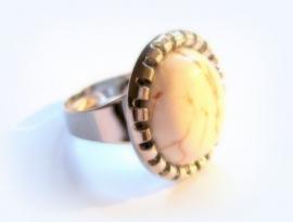 R-0126 Ring Creamy