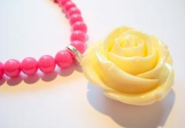 HK-0229 Ketting Pink met Rooshangertje
