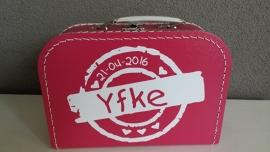 Koffertje met naamstempel voor Yfke
