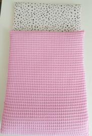Dekentje Poppenwagen Roze Wafel/ Zwart wit stip
