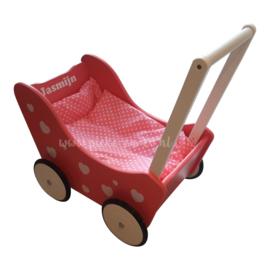 Houten Poppenwagen met naam Roze Hartjes