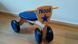 Houten loopfiets met naam Noud