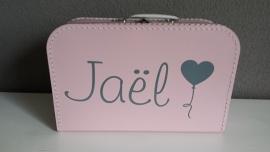 Koffertje met naam en hartjesballon Roze