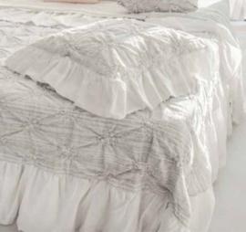 Arte Pura linnen sprei Baia 270x270 cm met barok borduurwerk