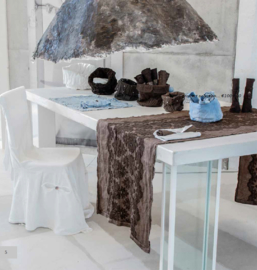 Arte Pura design loper Prugnolo 100% linnen met Gothic kant 60x220 cm