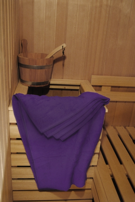 A&R saunalaken 100x210 cm paars badstof