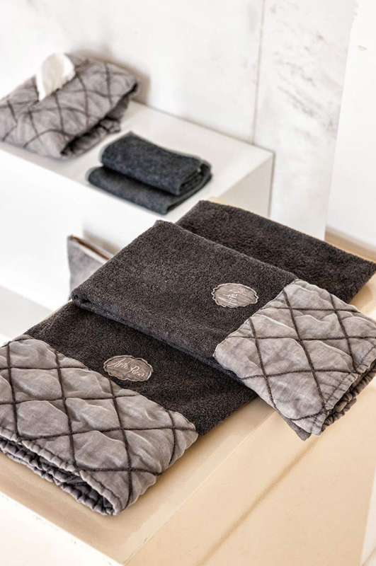 Arte Pura Chitarra handdoeken 60x100 cm met GE  kant set van 2 stuks leverbaar in meerdere kleuren
