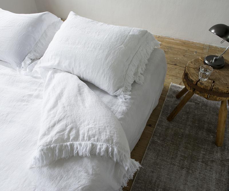 Dekbedovertrek Passion for linen Loulou wit bovenkant 100% linnen onderkant katoen satijn kleur wit