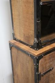 Stoere kast 120 X 45 X 190 cm servieskast industrieel landelijk vintage hout metaal stoer robuust met glas vitrinekast