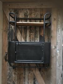 Zeer degelijk zwart metalen met houten wandrek 2 legplank, een wandkastje kastje met deurtje en 5 haken  handdoekenrek schap kapstok landelijk industrieel