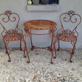 Smeedijzeren tuintafel bistro tafeltje Franse stijl tafel