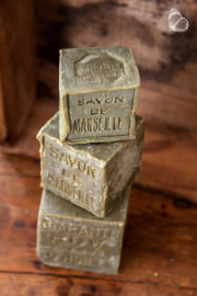 Grof blok savon de  Marseille zeep olijfolie  olijfgroen khaki army landelijk robuust stuk 400 gram