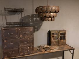 Oud metalen wandkastje hangkastje 51 x 45 x 13 cm medicijnkastje stoer grijs bruin vintage industrieel vitrinekastje kastje