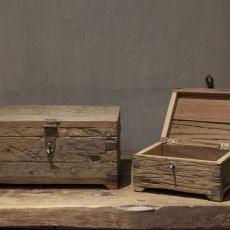 Vergrijsd houten kistje gemaakt van oud doorleefd vergrijsd hout Urban large landelijk stoer industrieel