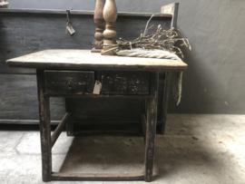 Stoer oud houten wandtafel sidetable Haltafeltje  Aura Peeperkorn met 2 lades vergrijsd zwart naturel landelijk stoer (wastafelmeubel )