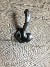Metalen haakje dubbel 7 cm landelijk grijze grijs kapstokhaakjes kapstokhaakje haak haakje kapstok kapstokhaak