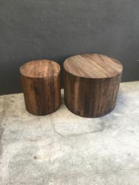 Stoere grof houten ronde bijzettafel tafel Salontafel tafeltje bijzettafeltje rond hout op wieltjes landelijk industrieel stoer vintage