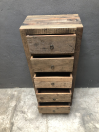Vergrijsd houten kast kastje oud hout 5 ladenkast ladekast keukenkast halkastje landelijk industrieel
