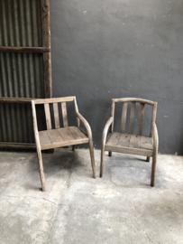 Oude grof vergrijsd houten stoel stoelen eetkamerstoelen, allemaal anders & uniek landelijk stoer robuust