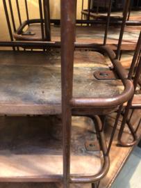 Zwaar metalen met houten wandrek bruin roestbruin 3 legplank en stang met 5 haken  handdoekenrek schap kapstok landelijk industrieel