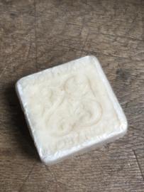 Prachtige decoratieve zeep argan menthol munt stoer landelijk sober naturel beige