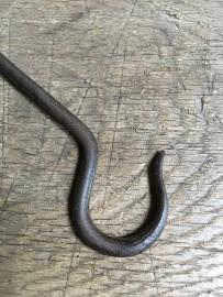 Lange gietijzeren s haak landelijk 20 cm lang haakje