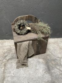 Stoer oud vergrijsd houten kistje kist dekenkist stoer landelijk