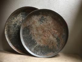 Oud rond metalen zinken zink  dienblad metaal schaal landelijk vintage urban industrieel vintage