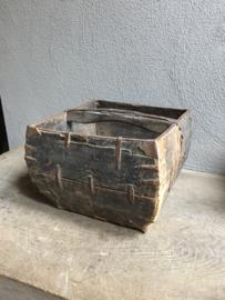 Oude vergrijsd houten trog bak schaal landelijke stijl landelijk hout vergrijsd oud mangelbak