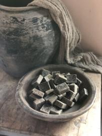 Heerlijk geurende zwarte grijze vergrijsde musk amberblokje amberblokjes zwart