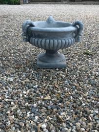 Betonnen tuinvaas massief pot bak landelijk beton grijs steen stenen bloempot met 3 oren