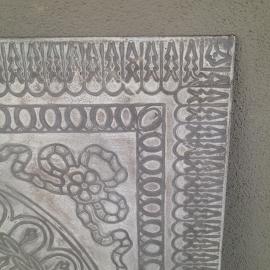 Prachtig groot metalen wandornament wanddecoratie wandpaneel landelijke stijl landelijk vintage beige grijs metaal industrieel Mandela