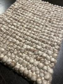 Groot handgewoven 100 % vervilt wol vloerkleed kleed carpet karpet beige 140 x 200 cm