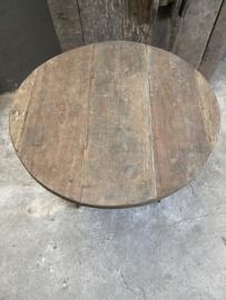 Oud vergrijsd houten tafel tafeltje rond 72 cm wijntafel wijntafeltje landelijk stoer grijs bijzettafel bijzettafeltje
