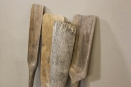 Oude vergrijsd houten peddel peddels roeispaan landelijk vintage industrieel sober stoer oud hout decoratie ornament